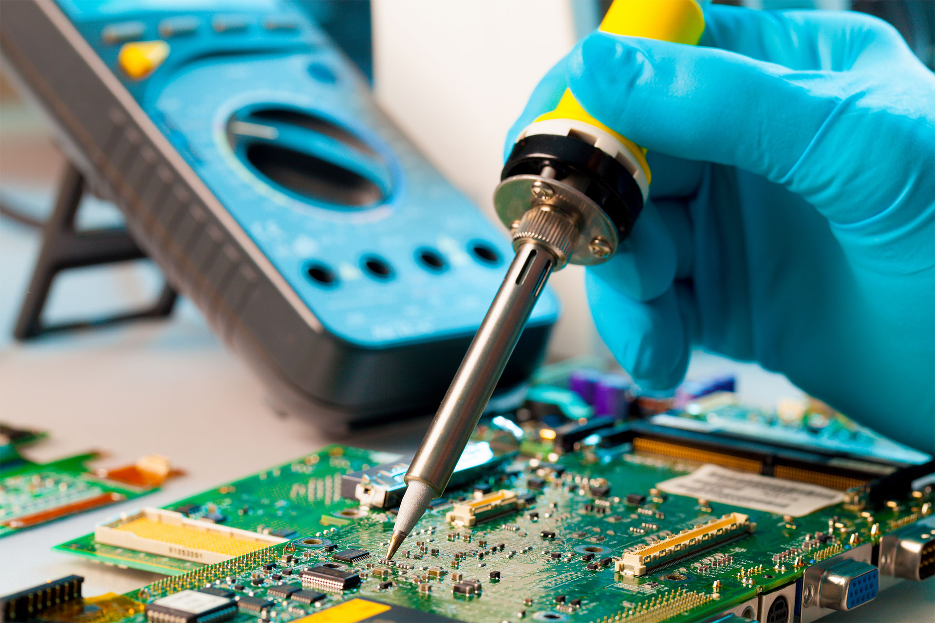Electronic device and board repair